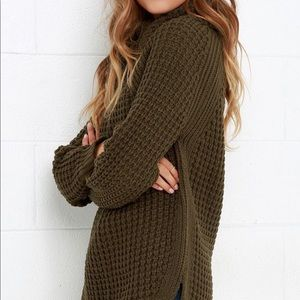 Sweaters - ⋒ Olive Green Sweater ⋒